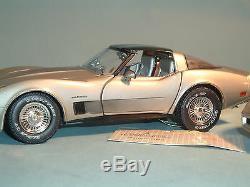 Corvette 1982 Chevrolet 2 Corvette's Silver Le Franklin Mint 124 Diecast & Dply