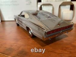 Danbury Mint 1967 Dodge Charger Hemi 124 Diecast Model Excellent with Box/Papers