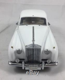 FRANKLIN MINT 124 1955 ROLLS-ROYCE SILVER CLOUD I No Box Good Condition