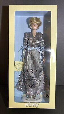 FRANKLIN MINT-Princess Diana Vinyl Portrait Doll- Silver Lame Gown