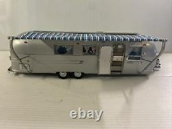Franklin Mint 124 Airstream Trailer International Land Yacht Route Master Silve