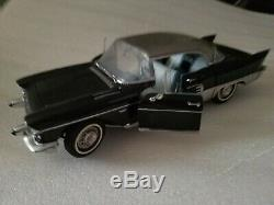 Franklin Mint 1957 Cadillac Brougham 1/24 scale die cast car