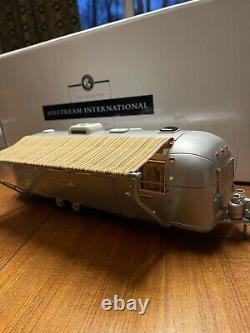 Franklin Mint 1968 Airstream International Land Yacht Camper 124 Die Cast Boxed