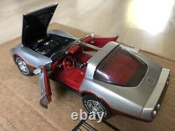 Franklin Mint 1982 Corvette L. E. #140/1,000 Silver & Dark Claret
