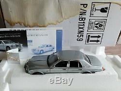 Franklin Mint 1998 Rolls-Royce Silver Seraph 124 Scale Diecast Model Car 1999