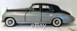 Franklin Mint 1/24 Scale Diecast B11UZ91 Rolls Royce Silver Cloud Silver Black
