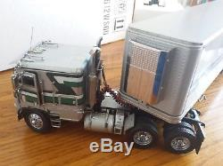 Franklin Mint Freightliner Cab Over Refrigerator Box Traier 132 Scale A25