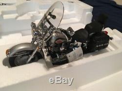Franklin Mint Harley Davidson Heritage Softail Classic in Silver MIB