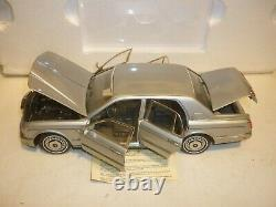 Franklin mint 1998 Rolls Royce silver seraph Boxed