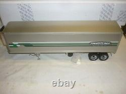 Franklin mint Scale model of a 1979 Freightliner & refrigerated trailer, Boxed
