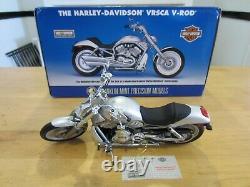 HARLEY-DAVIDSON V-ROD VRSCA Franklin Mint Big 110th Scale NIB