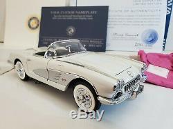 Snowcrest White/Inca Silver 1958 Corvette Limted Edition Franklin Mint 124